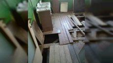 «За что мы вообще платим?». Жители общежития в Смоленске возмущены состоянием своего дома