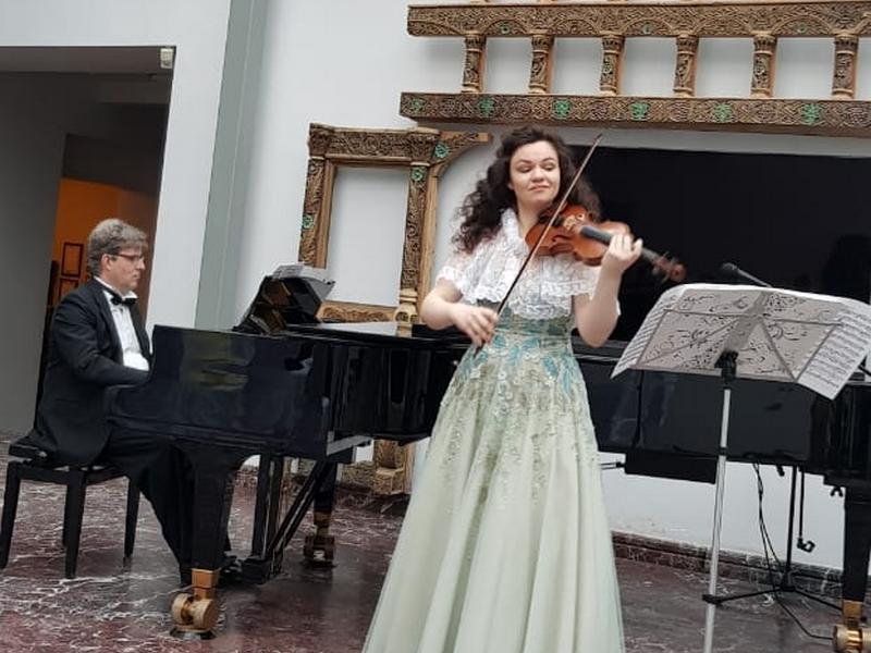 ретроспективный концерт «350 лет», Фёдор Строганов и Анастасия Ведякова