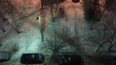 «Жилищник» прокомментировал ситуацию с падением парня на автомобиль в Смоленске