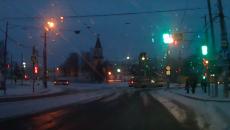В Смоленске опасный маневр водителя трамвая сняли на видео