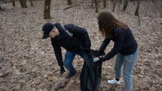 В Смоленске добровольцы провели уборку Реадовского парка