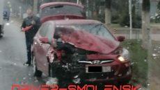 Машины разбиты в результате жесткого ДТП в Смоленске