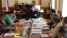 Алексей Островский обсудил со спортивными чиновниками строительство горнолыжного комплекса в Смоленском районе