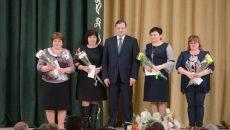 Алексей Островский наградил лучших муниципальных служащих Смоленской области