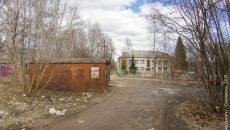 В Смоленске снесут 14 гаражей, установленных возле школы