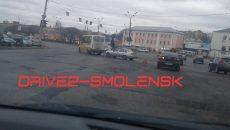 В Смоленске ДТП с маршруткой осложнило движение по площади
