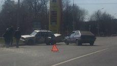 В Смоленске две «Лады» жёстко столкнулись на шоссе