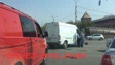 В Смоленске ДТП с фургоном создало затор на площади