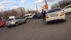 В Смоленске столкнулись маршрутка и троллейбус