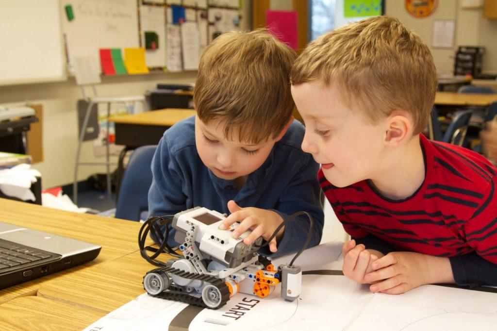 РобоТрек, роботы, программирование, моделирование_10