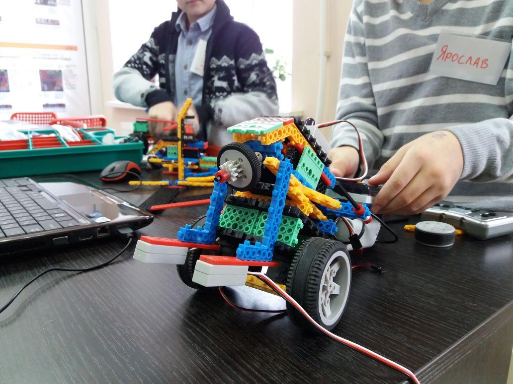 В Смоленске соревнования по робототехнике проведут по трём направлениям