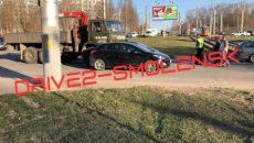 В Смоленске произошло второе за вечер ДТП в районе проспекта Строителей