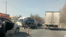 Тройная авария на Рославльском шоссе в Смоленске собрала огромную пробку