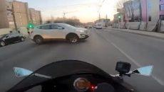 В Смоленске мотоциклист снял на видео аварию «от первого лица»