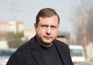 Алексей Островский поможет смолянам, которые после пожара живут в парнике