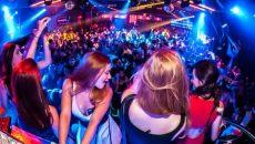 В ночном клубе Смоленска девушку оставили без денег и медкарты
