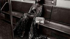 Наоми Кэмпбелл снялась в метро в рекламной кампании Valentino
