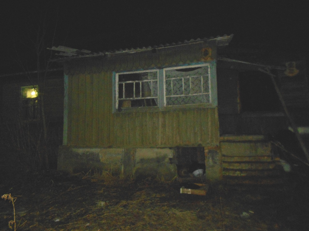 ночной пожар, частный деревянный дом (фото 67.mchs.gov.ru)