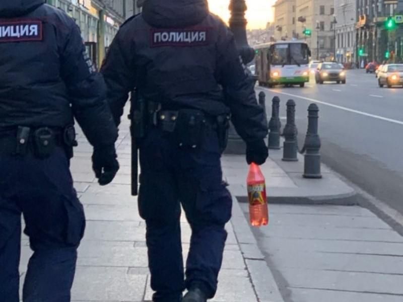полицейские, алкоголь, коктейль, ППС, Блейзер (фото vk.com)