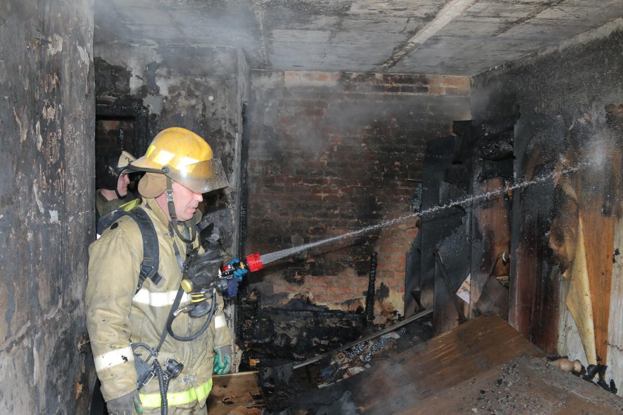 последствия пожара 1.04.2019 на ул. Мало-Краснофлотской в Смоленске_5