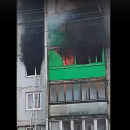 https://smolensk-i.ru/accidents/pod-smolenskom-smertelnyiy-pozhar-v-mnogokvartirnom-dome-snyali-na-video_282095