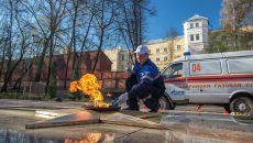 Смоленские мемориалы с Вечным огнём подготовили к празднованию Дня Победы