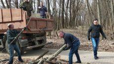 Мэр Смоленска Андрей Борисов принял участие в общегородском субботнике