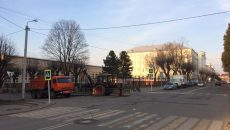 В Смоленске начали работы на месте провала асфальта