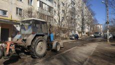 В Смоленске стартовала уборка дворов