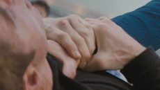 Под Смоленском мужчина в День всех влюблённых одной рукой задушил знакомого