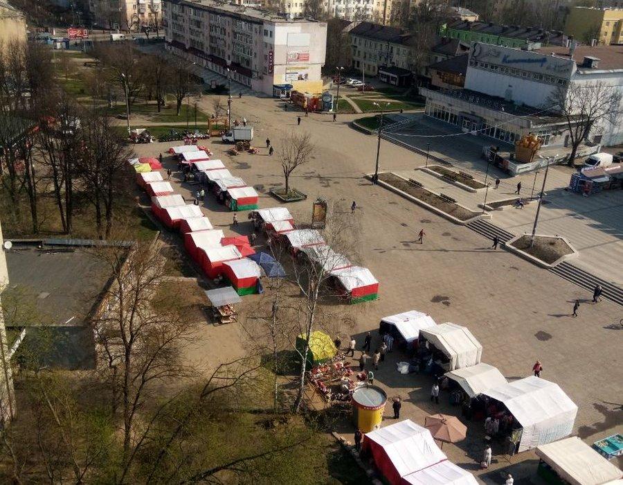 ярмарки на ул. Октябрьской революции 23.04.2019 в Смоленске (фото twitter.com prorok_sanboy)