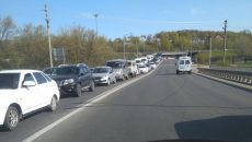 В Смоленске ДТП у поворота создало «пробку» на мосту