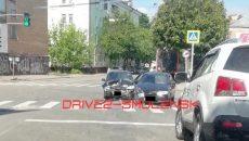 Жесткое ДТП в центре Смоленска: дорогу не поделили две «Лады»