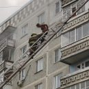 https://smolensk-i.ru/society/v-smolenske-pozharnyie-snyali-s-balkona-goryashhey-kvartiryi-polugologo-muzhchinu_286450