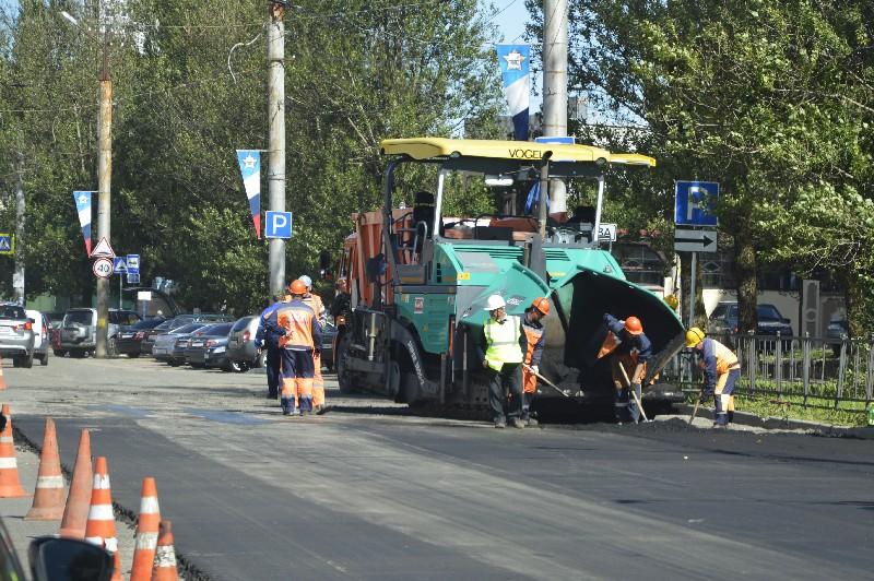 В этом году в Смоленской области начнется реализация нацпроекта «Безопасные и качественные автомобильные дороги»
