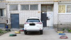 В Смоленске житель отомстил автохаму, который оставил машину возле подъезда