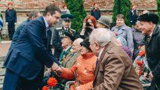Алексей Островский на митинге ко Дню Победы поблагодарил смоленских ветеранов