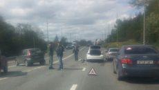 В Смоленске иномарка на шоссе врезалась в «Калину»