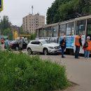 https://smolensk-i.ru/auto/v-smolenske-tramvay-pomyal-krossover-mercedes_286279