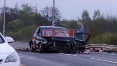 Под Смоленском в аварию попал микроавтобус с пассажирами