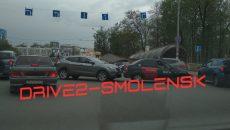В Смоленске ДТП с такси перекрыло движение на площади