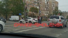 В Смоленске ДТП на повороте создало затор на улице Кирова