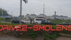 В Смоленске авария с микроавтобусом перекрыла движение на проспекте