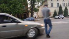 В Смоленске иномарка «потеряла» колесо