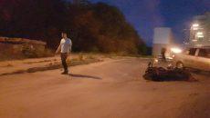 В Смоленске машина такси сбила мотоцикл