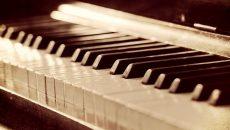 Смоленские детские школы искусств получили новые пианино