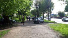 В Смоленске «ленивый» автохам проехал по тротуару