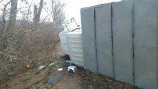 Под Смоленском перевернулся грузовик. Есть пострадавший