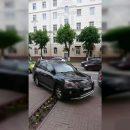 https://smolensk-i.ru/auto/v-smolenske-voditel-priparkovalsya-na-klumbe_286697