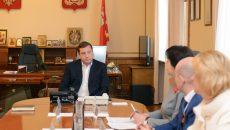 Алексей Островский поручил ускорить открытие двух смоленских детсадов